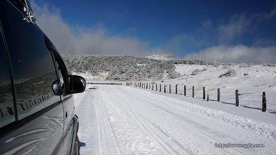 デリカスペースギアで雪道 at えびの高原 05