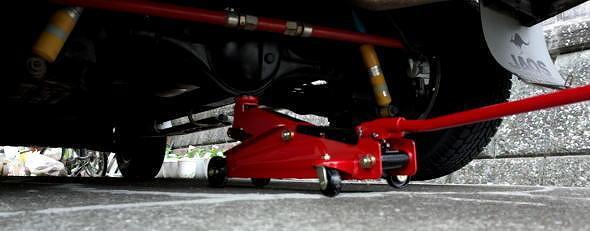 BAL(大橋産業)フロアジャッキ 油圧式 3tでスペースギアを上げる
